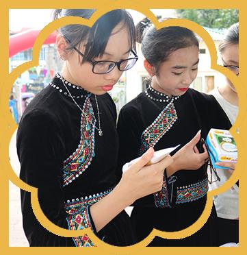 Học sinh tham quan sản phẩm Colokit (1)